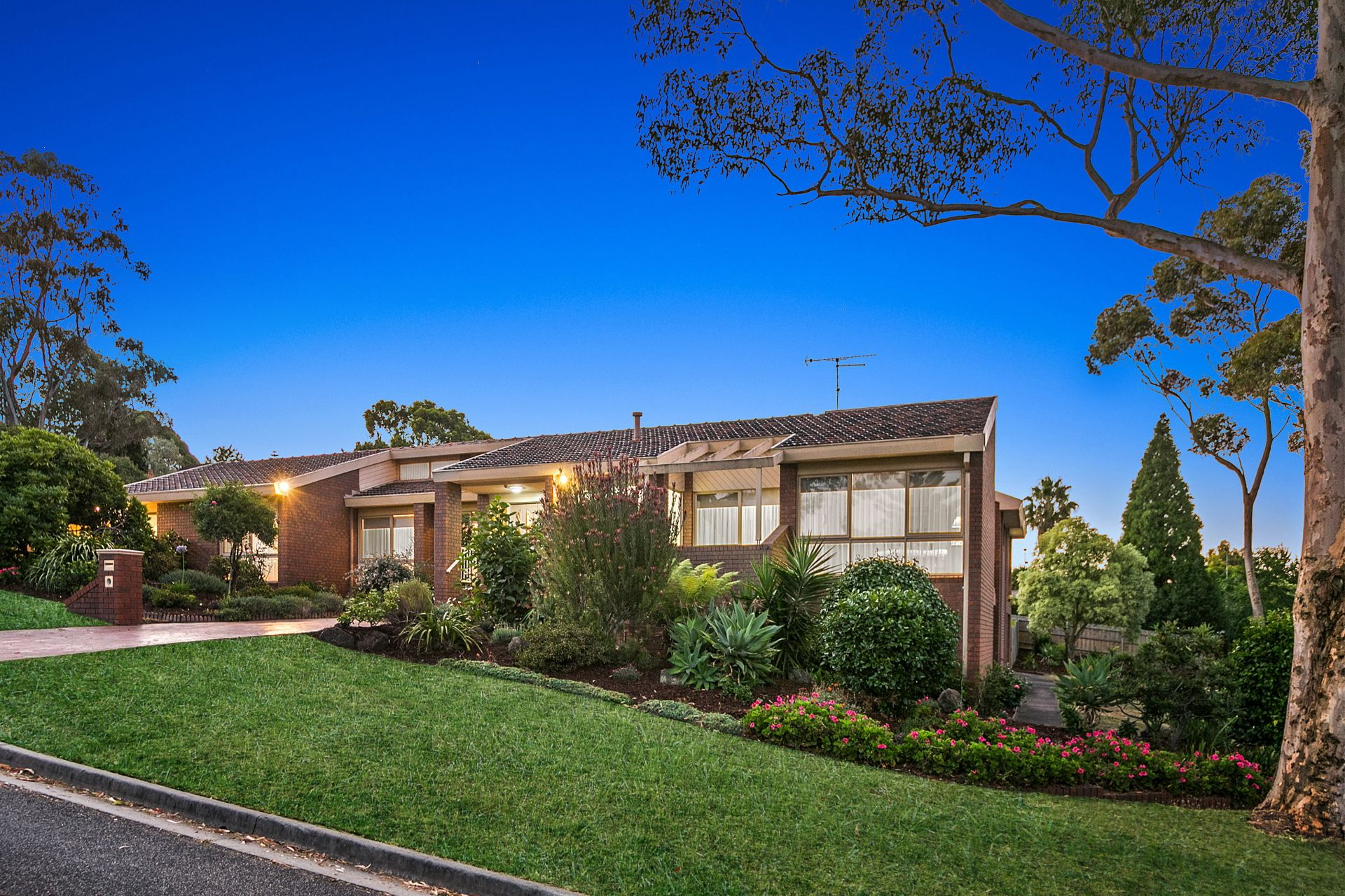 37 Alicudi Avenue, FRANKSTON SOUTH, VIC, 3199 - Image