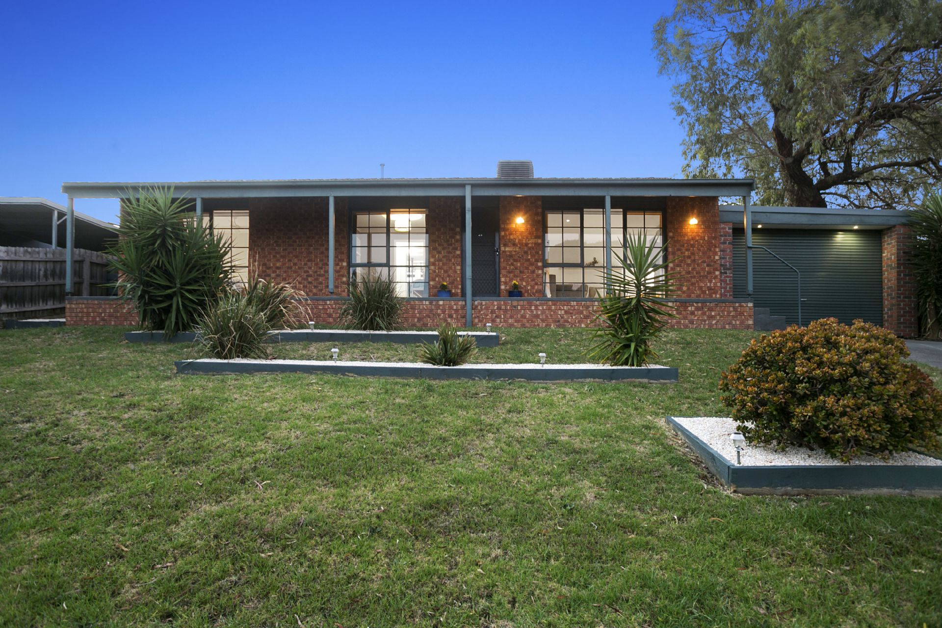 39 Dunsterville Crescent, FRANKSTON, VIC, 3199 - Image