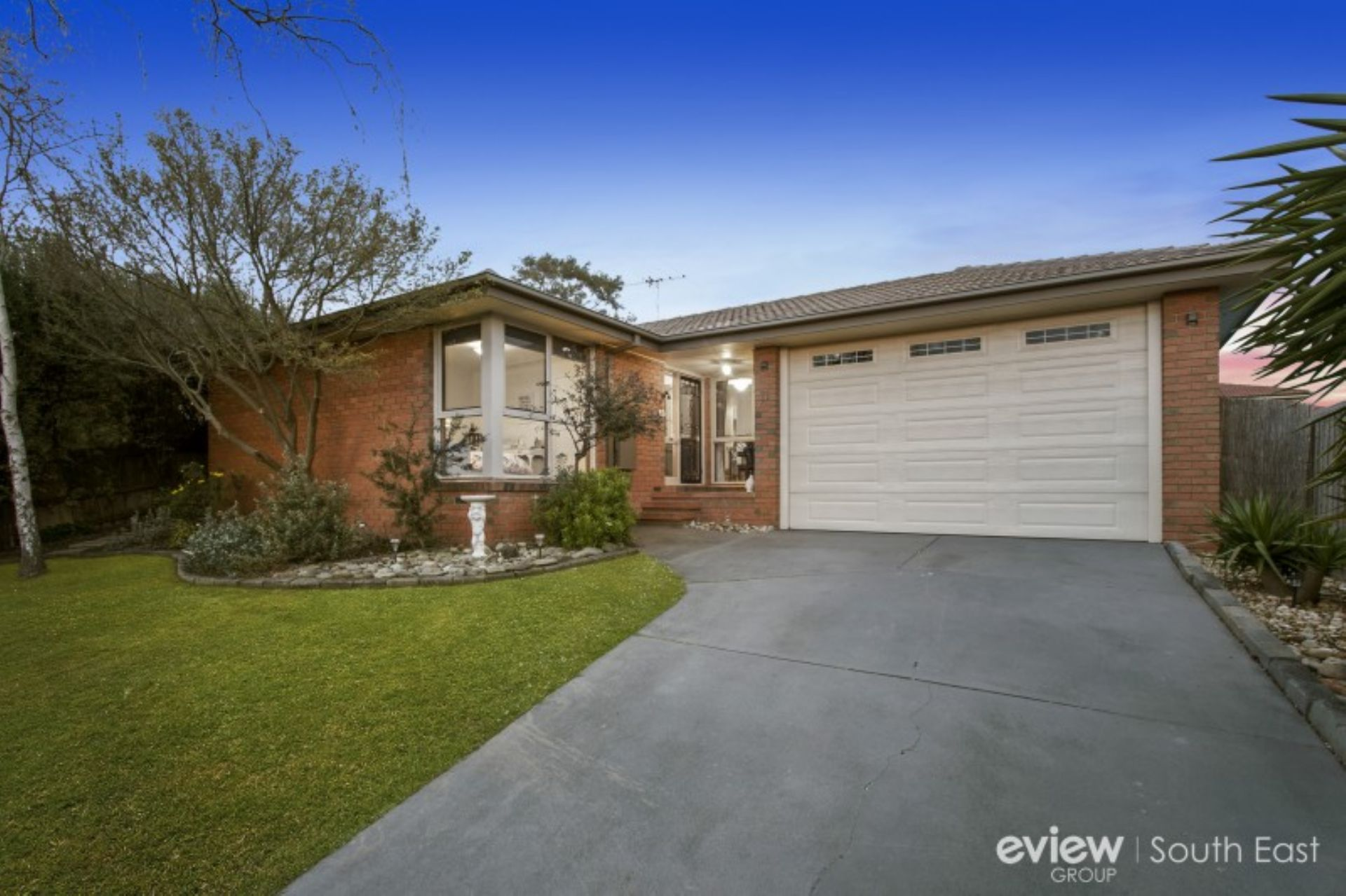 11 Duckworth Close , BERWICK, VIC, 3806 - Image