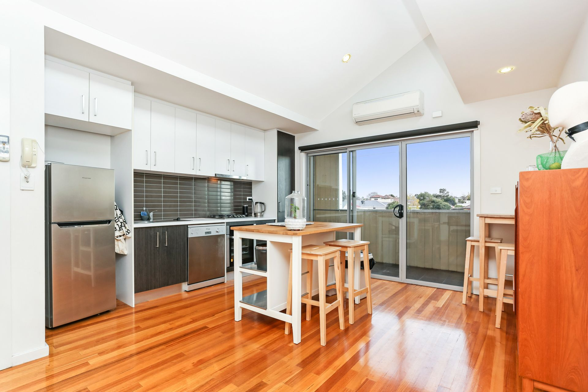 1/264 Sussex Street, PASCOE VALE, VIC, 3044 - Image