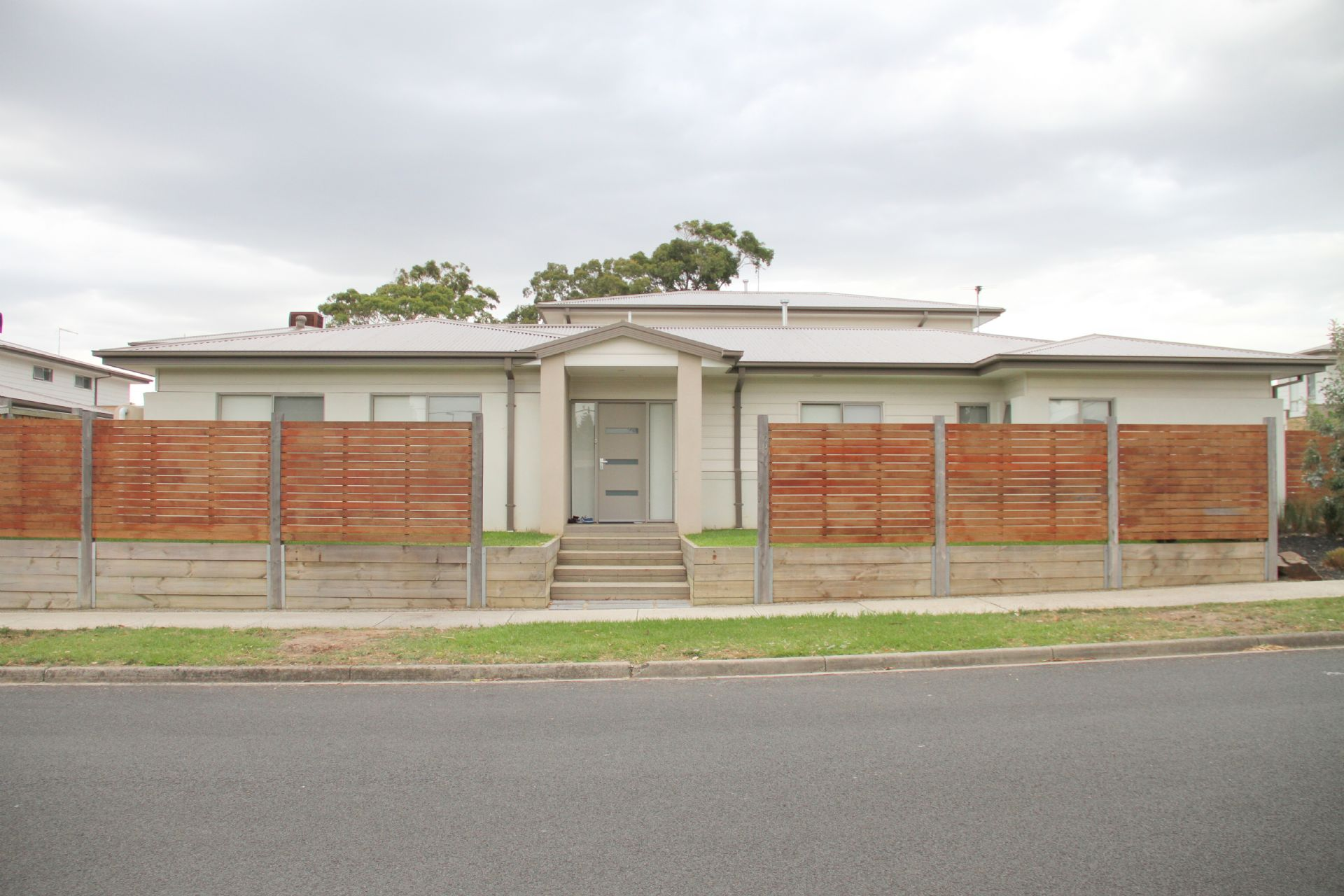 19 Augusta Crescent, FRANKSTON, VIC, 3199 - Image