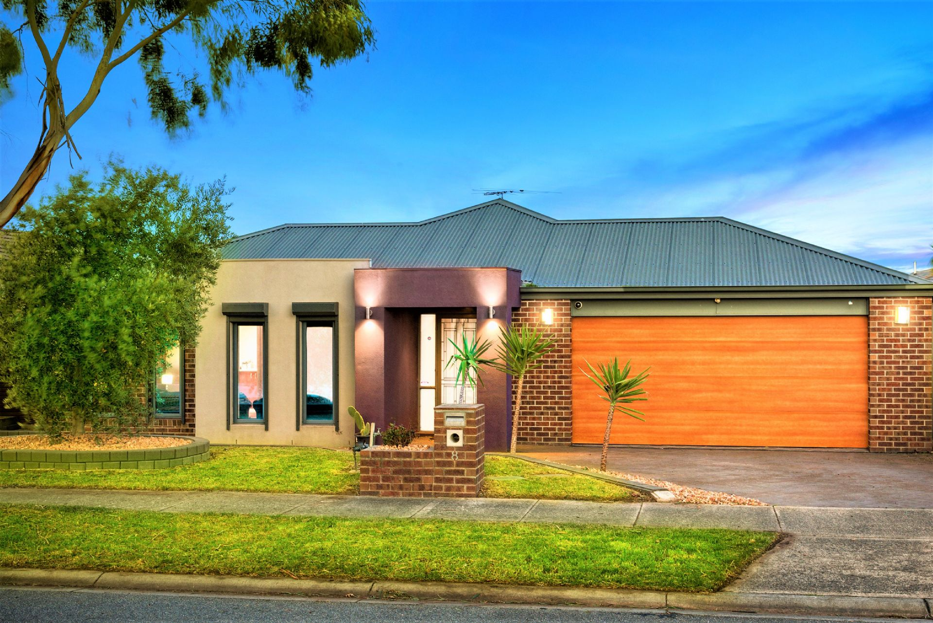 8 Ambiance Crescent, NARRE WARREN SOUTH, VIC, 3805 - Image