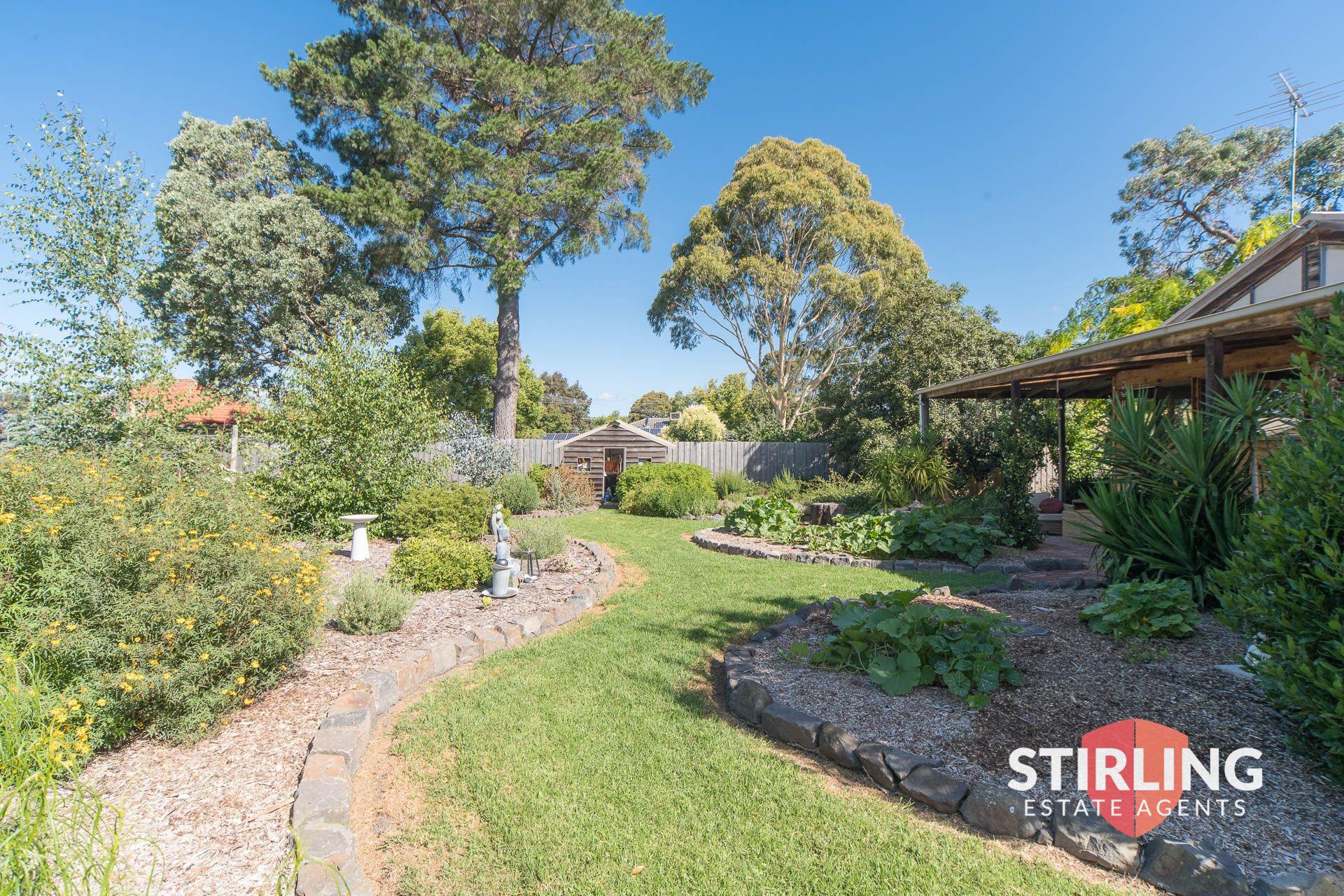 8 Queens Road PEARCEDALE VIC 3912