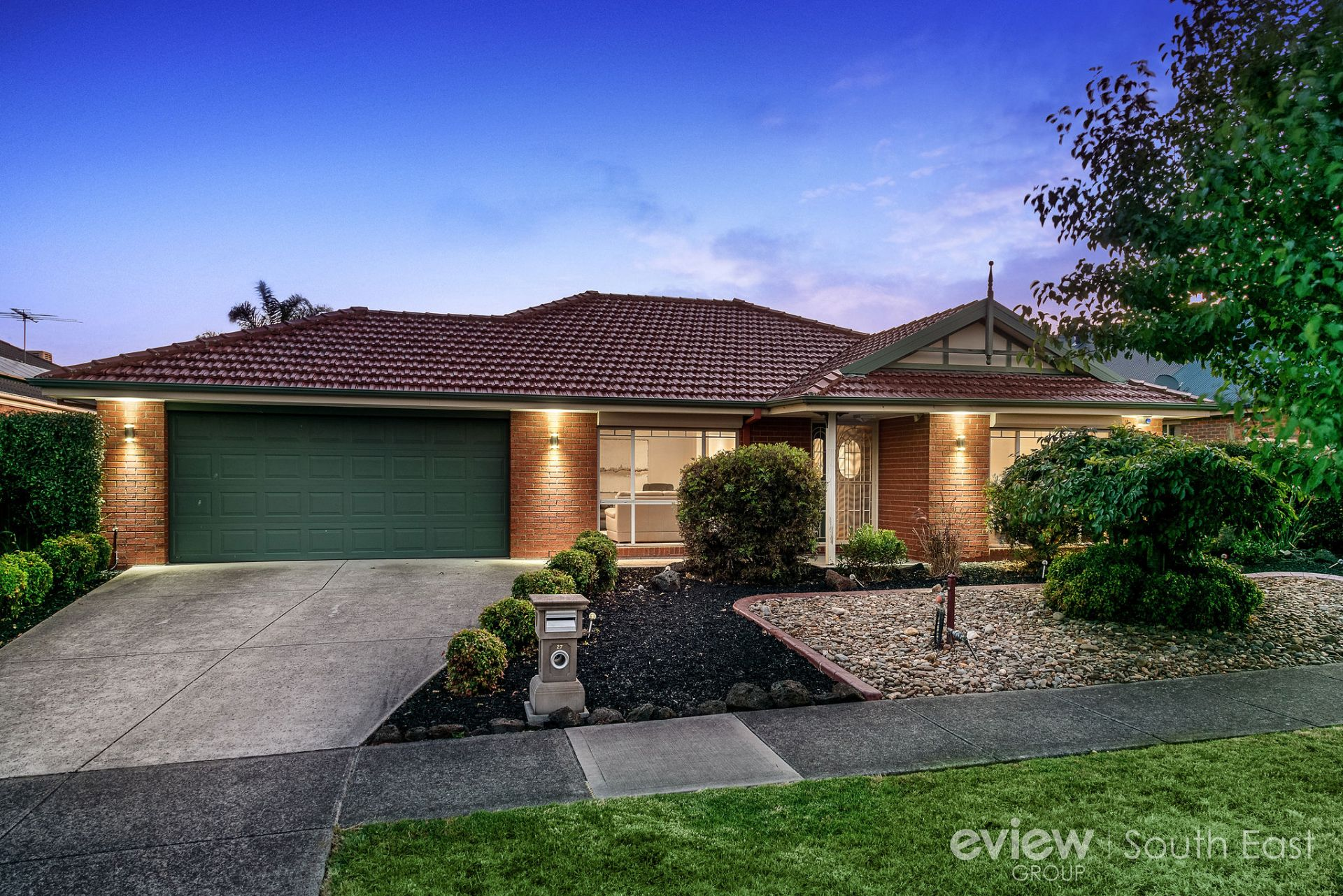 27 Armitage Dr, NARRE WARREN SOUTH, VIC, 3805 - Image